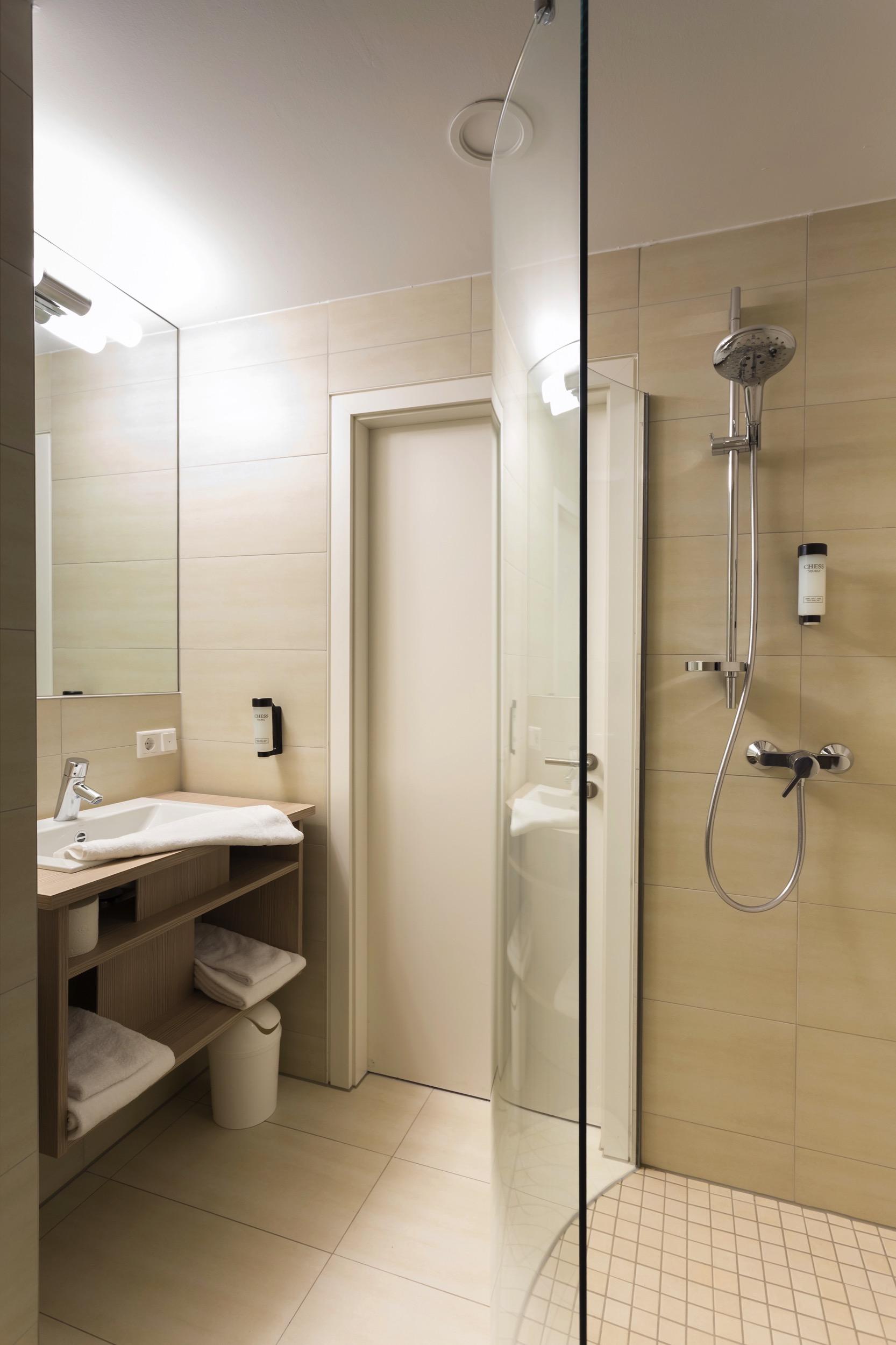 Souterrain-Zimmer im VIVA-HOTEL Lübeck - hier buchen