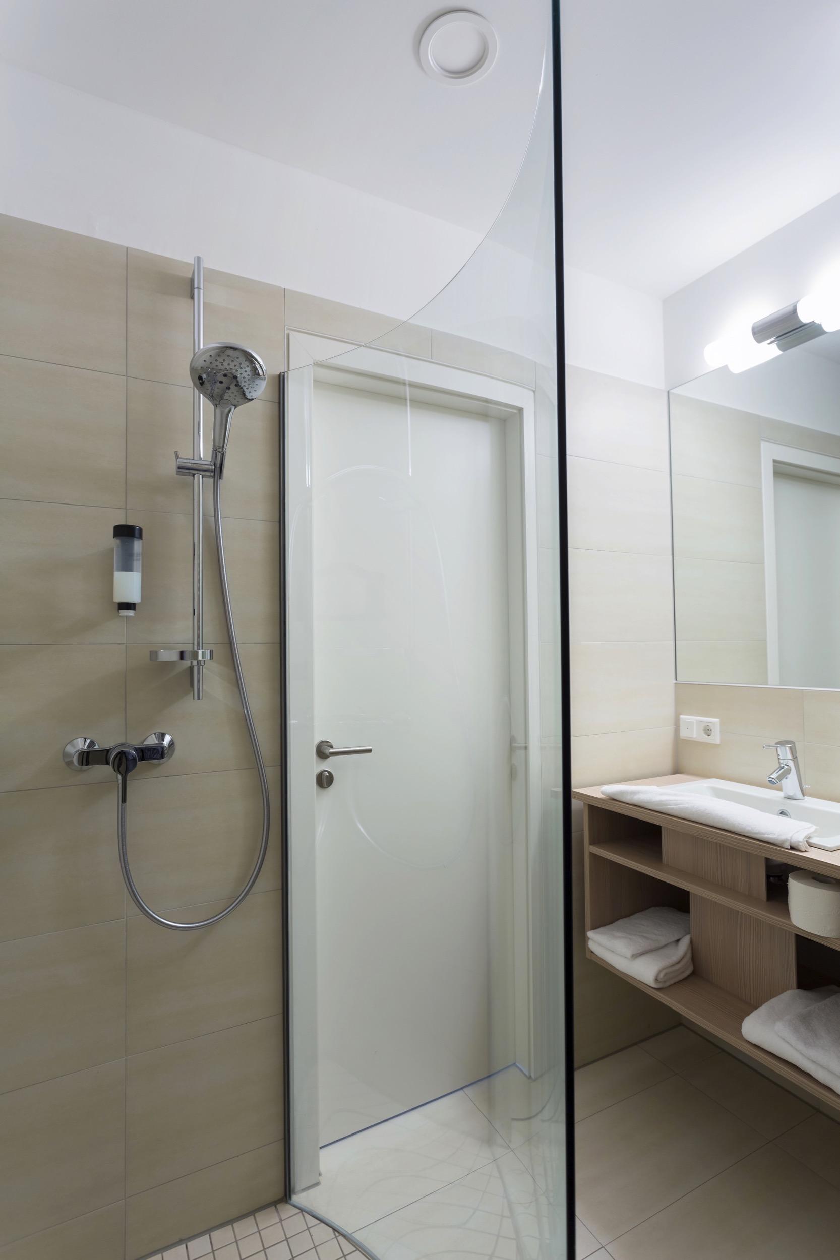 Standard-Doppelzimmer im VIVA-HOTEL Lübeck - hier buchen
